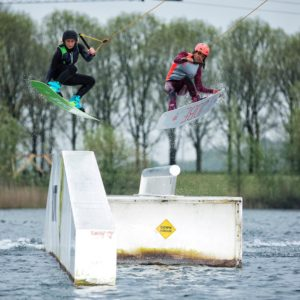 wakeboarders-dames-opstacle